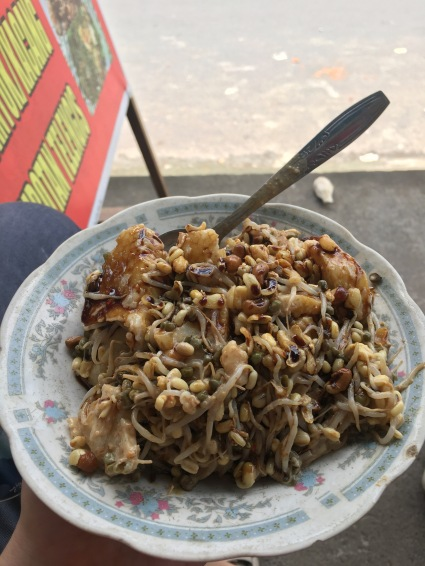Street food lunch of Tipat Cantok