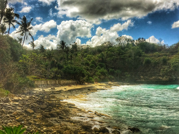 The shore at secret beach